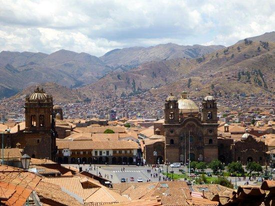plaza-de-armas-huacaypata